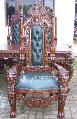 Gambar Kursi Sofa Raja Singa