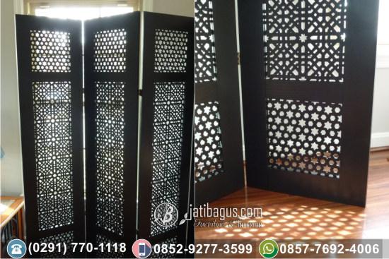 Pembataas Ruangan Motif Maroko