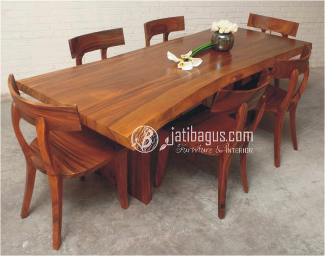 Set Meja Makan Trembesi Kursi Lengkung (kayu Solid)