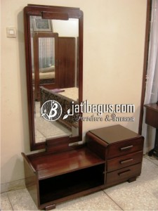 Meja Rias dan Cermin Minimalis Laci