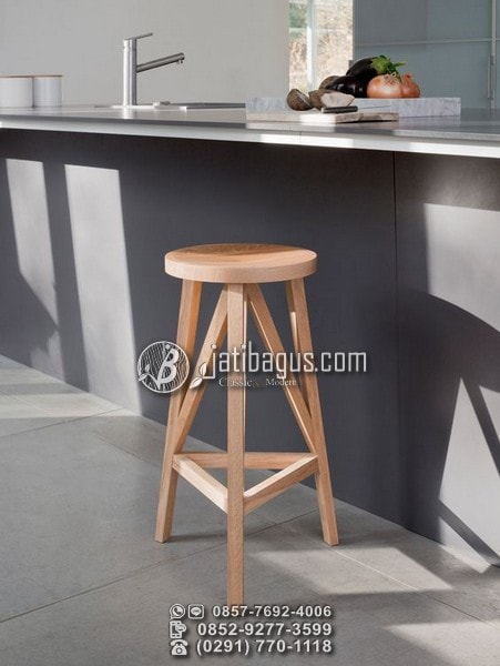 Kursi Bar Kafe Stool Kayu Bundar