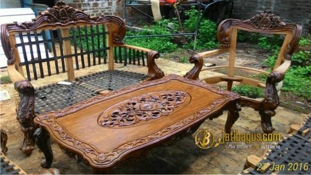 proses Kursi Tamu Sofa Ukir Mewah Royal Baroque