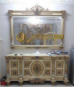 Bufet Nusantara Jati Ukiran Emas perak cat Putih Duco Model Lurus Mewah