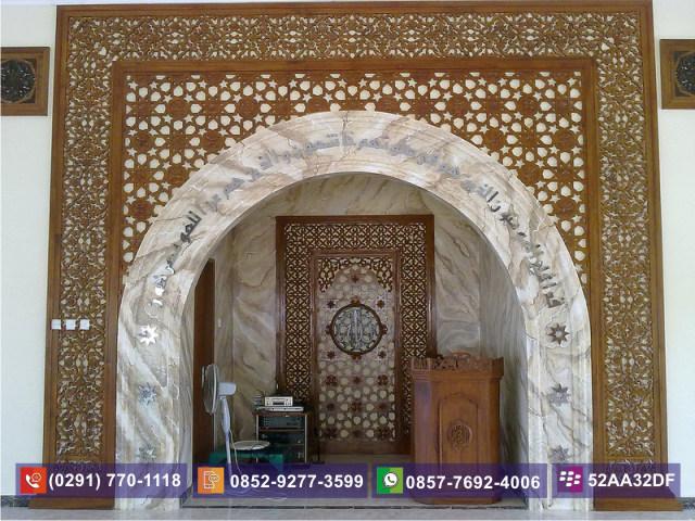 Ukiran Masjid Ornamen Kayu Atas Mimbar