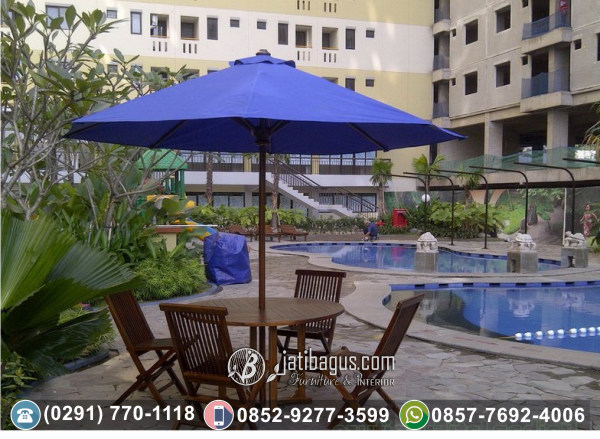 Kursi Lipat dan Meja Payung Pantai atau Taman
