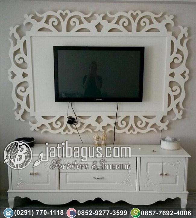 Frame Bingkai TV Hias Ukir Duco Putih Volendam
