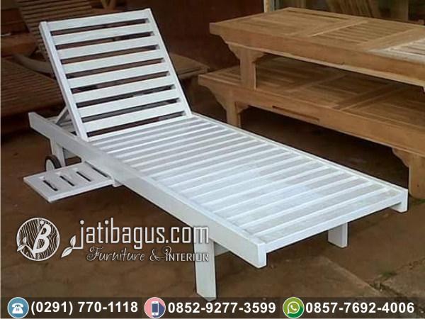 Kursi Panjang Santai Lonjer Pantai Bali Duco Putih