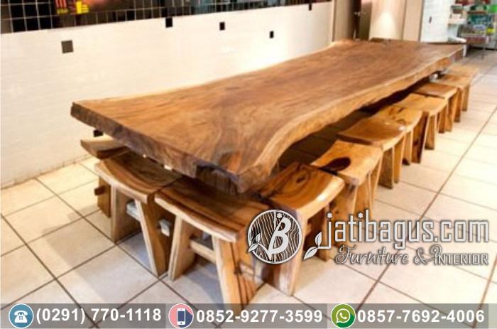 Set Meja dan Kursi Trembesi
