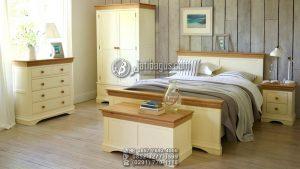Set Tempat Tidur Minimalis Putih Kombinasi Kayu Natural