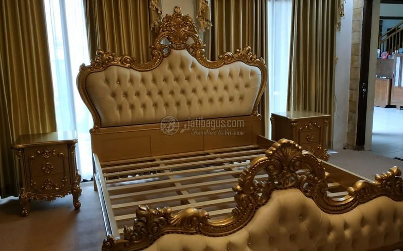 Set Tempat Tidur Ukir Emas Mewah
