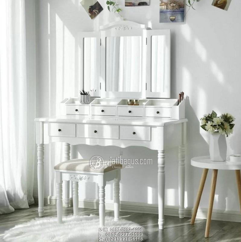 Meja Rias Kaki Bubutan Kayu Mahoni Duco Putih Laci 2 Tingkat